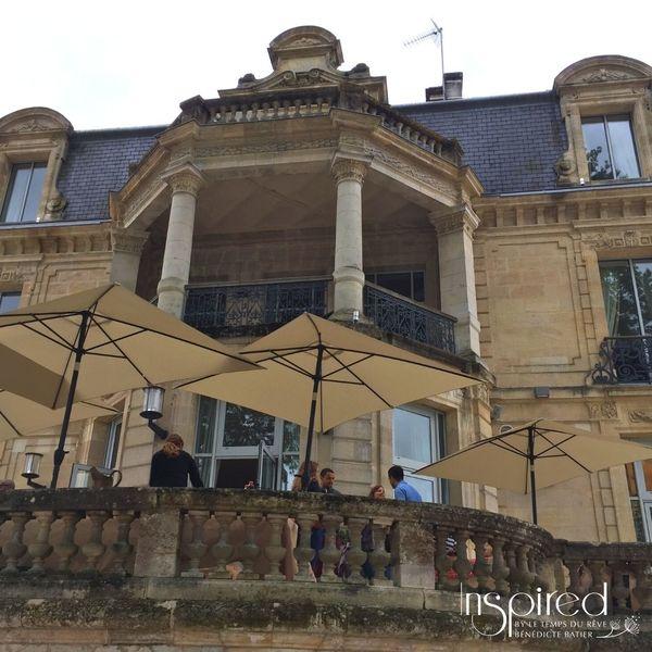 Garden Party Dans Un Château Au Bord De La Garonne